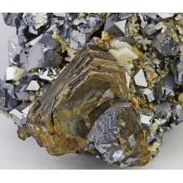 Pyrrhotite on Galena Dal´negorsk M03312